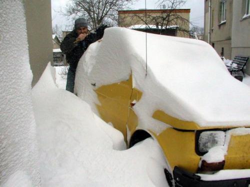 Fot. Archiwum: Zima zawsze zaskakuje kierowców, chociaż wiadomo, że nastąpi.