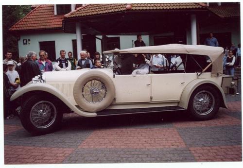 Najstarszy i chyba najpiękniejszy pojazd lubelskiego rajdu – Austro-Daimler z 1927 r., własnoś