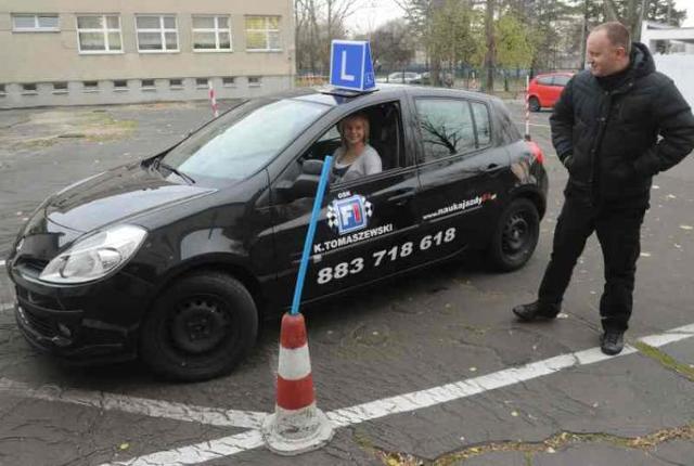 Kursanci oblegają szkoły jazdy