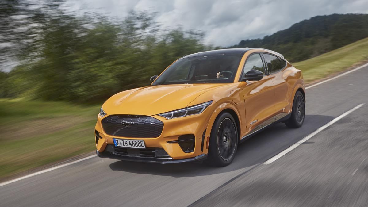 Od dzis można składać w Polsce zamówienia na nowego Forda Mustanga Mach-E GT. Krajowa cena tego modelu rozpoczyna się od 335 000 zł. Fot. Ford