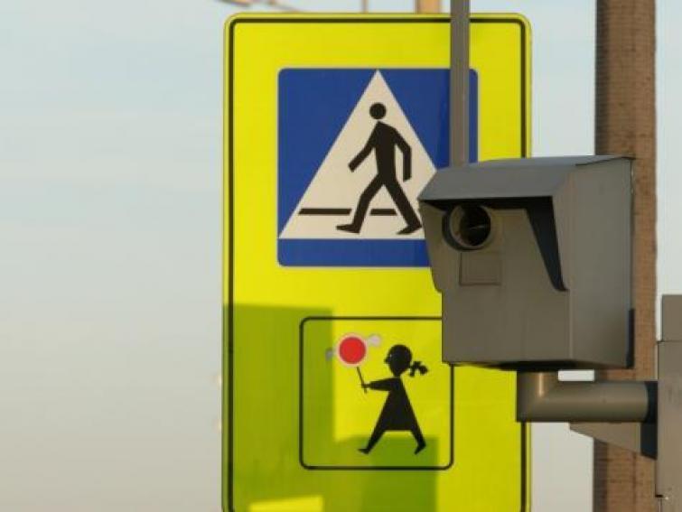 Miliard złotych z mandatów - na tyle rząd chce skasować kierowców