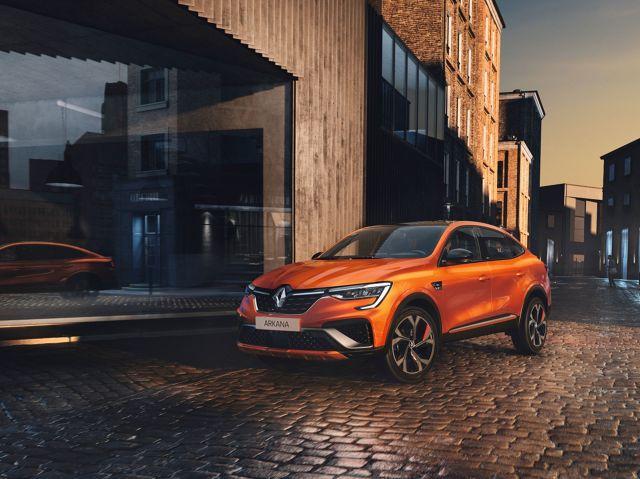 Renault Arkana   Nowe Renault Arkana jest produkowane w zakładzie w Busan w Korei Południowej, gdzie powstaje również model XM3 Renault Samsung Motors. Zamówienia na samochód będzie można składać od maja 2021 roku, a samochody pojawią się w salonach dealerskich już w czerwcu br. w wersji TCe i w lipcu w wersji E-TECH Hybrid.  Fot. Renault
