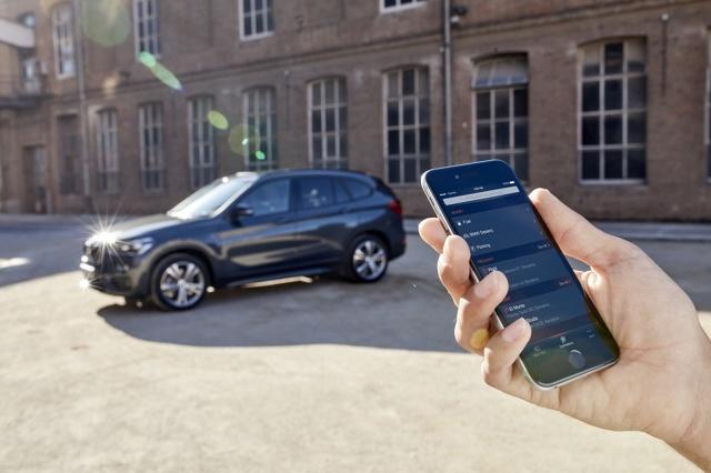 BMW Connected  Rozwiązanie BMW Connected jest dostępne na rynku amerykańskim od 31 marca 2016 r. Od sierpnia będzie również oferowane w Niemczech, Austrii, Wielkiej Brytanii, Włoszech, Francji, Szwajcarii, Belgii, Hiszpanii, Holandii, Danii, Czechach, Norwegii, Polsce, Portugalii, Szwecji, Finlandii, Republice Irlandii i Luksemburgu. P  Fot. BMW