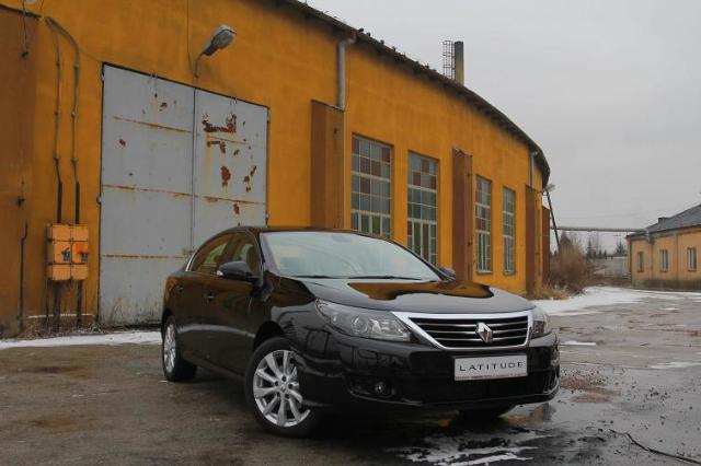 Renault Latitude - luksus po francusku - ceny i zdjęcia