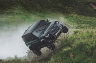 Land Rover. Brytyjskie SUV-y w nowym filmie o Bondzie