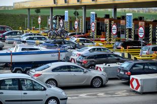 Autostrady w Polsce. Kierowcy aut osobowych nie będą płacić?