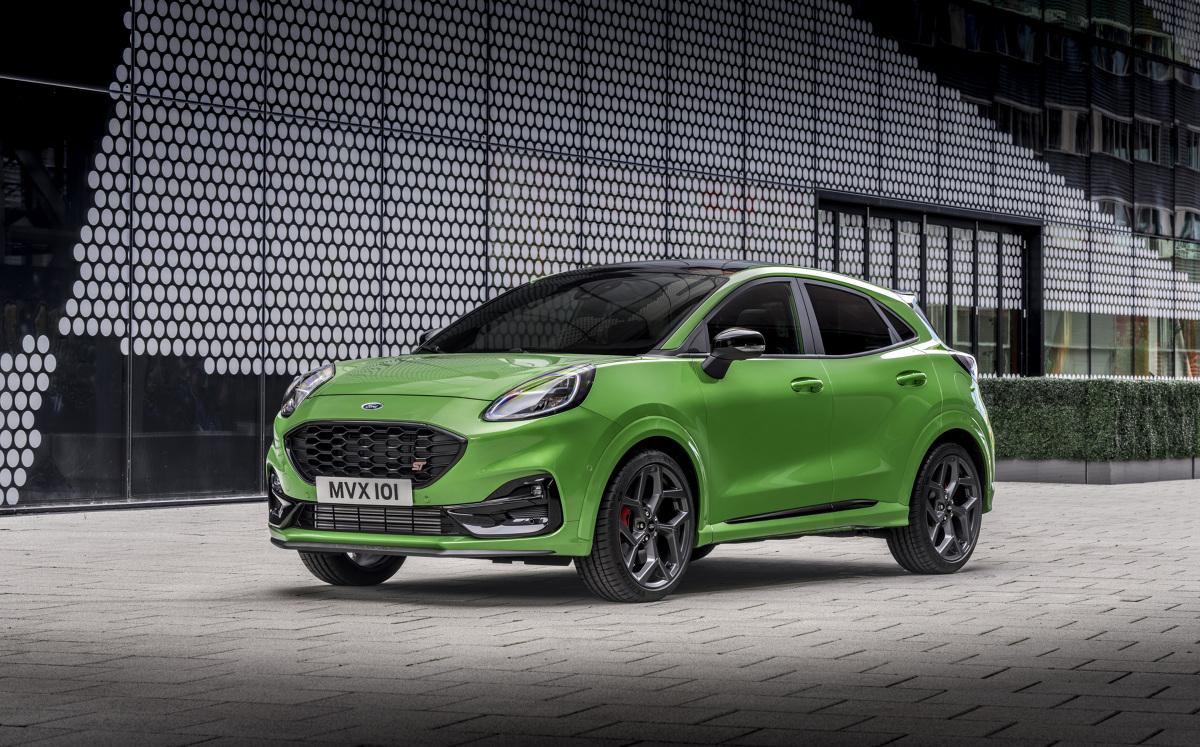 Jeśli przy w nazwie jakiegoś Forda znajduje się skrót ST to może to oznaczać tylko jedno: Sport. Tak też jest z najnowszym modelem, który koncern wprowadza do salonów sprzedaży tj. Pumą ST.  Fot. Ford