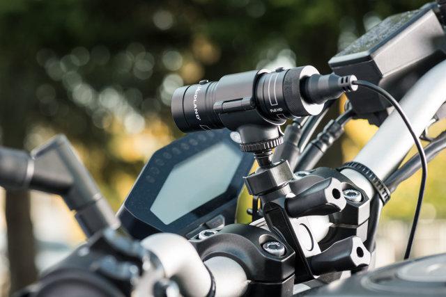 Znany producent elektronicznych urządzeń motoryzacyjnych firma Midland wprowadziła właśnie na rynek specjalnie dedykowaną dla jednośladów kamerę wideo o rozdzielczości Full HD.   Fot. Midland