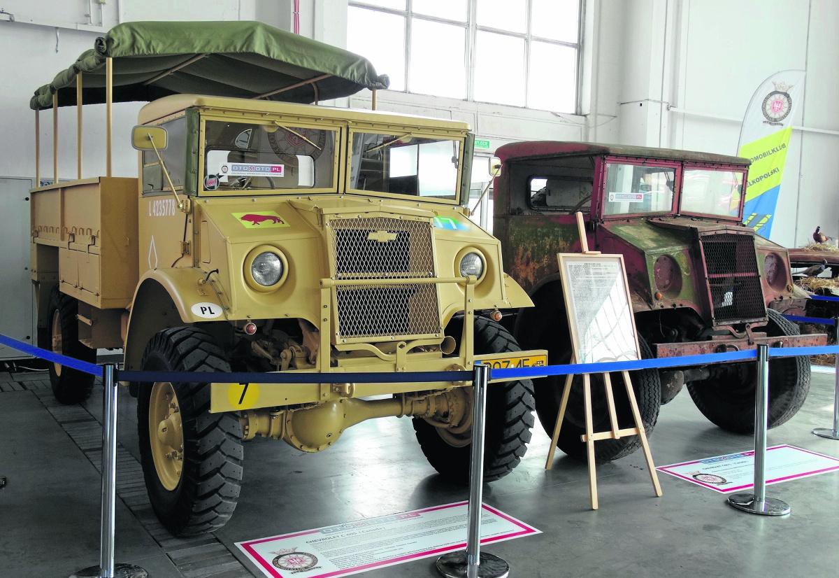 Chevrolet Canada odrestaurowany przez wielkopolskiego kolekcjonera Grzegorza Frąckowiaka. Drugi egzemplarz (przed odbudową) służył żołnierzom 5. Kresowej Dywizji Piechoty w Afryce Płn.  Fot: Marek Ponikowski