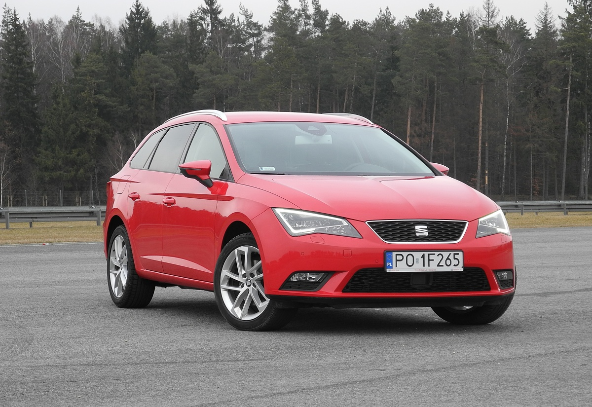 seat leon st 2 0 tdi kombi w sportowym wydaniu video. Black Bedroom Furniture Sets. Home Design Ideas