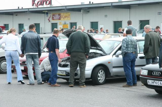 Kredyt samochodowy na auto używane - co oferują banki? Poradnik