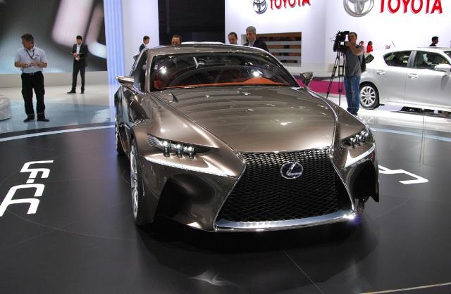 zdjęcie  Lexus LF-CC