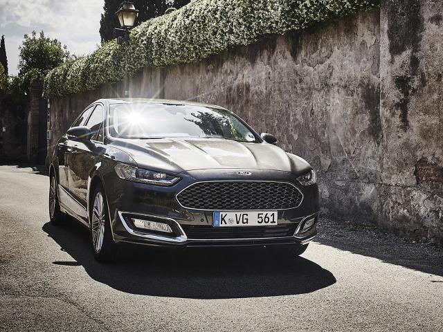 zdjęcie Ford Mondeo Sedan Vignale