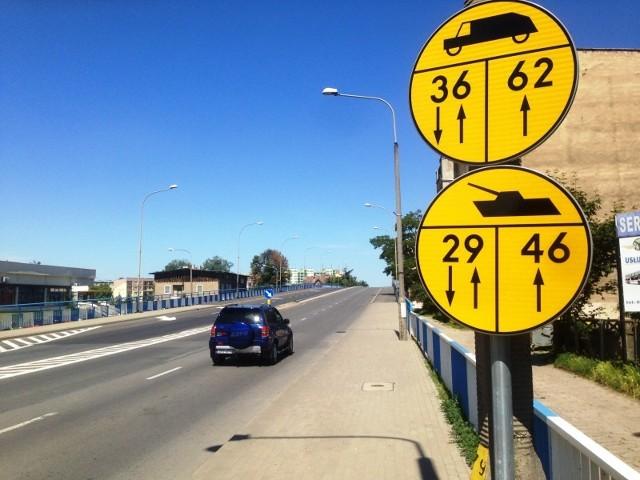 W związku z międzynarodowym ćwiczeniem wojskowym mającymi odbywać się w pierwszych dniach czerwca, w dniach od 23 maja do 16 czerwca 2019 r., wybrane obiekty mostowe w ciągu dróg krajowych, zostaną oznakowane dodatkowymi znakami dla kierujących pojazdami wojskowymi.  Fot. GDDKiA