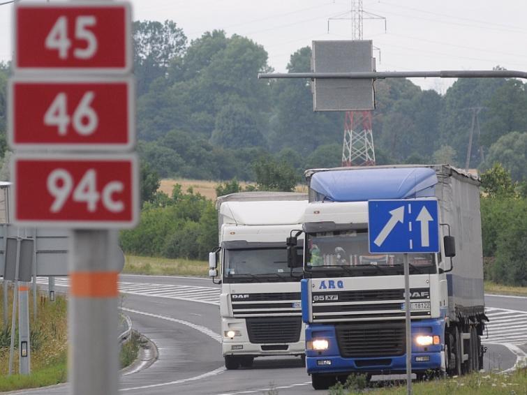 Tiry nie zjechały masowo z autostrady A4. Kierowcy płacą za przejazd