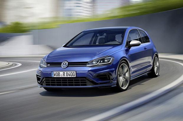 Volkswagen Golf R   Do 100 km/h Volkswagen Golf R przyspiesza w 4,6 s, natomiast prędkość maksymalna została elektronicznie ograniczona do 250 km/h.  Fot. Volkswagen