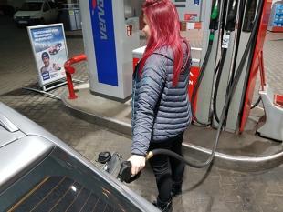 UOKiK zbadał jakość paliw. Oto czarna lista stacji paliw