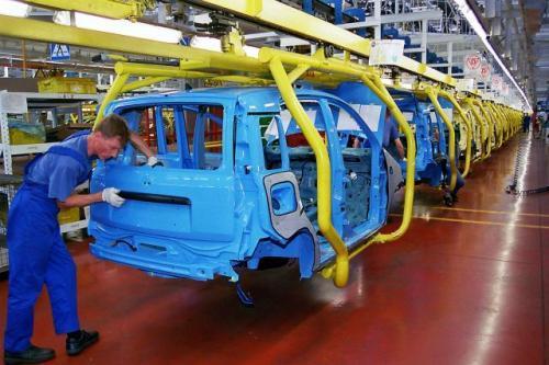 Fot. Fiat: Polska jest krajem paradoksów. Przemysł motoryzacyjny rozwija się świetnie, a rynek tej branży jest rachityczny. Ponad 90 proc. produkowanych w Polsce samochodów jest eksportowanych za granicę.