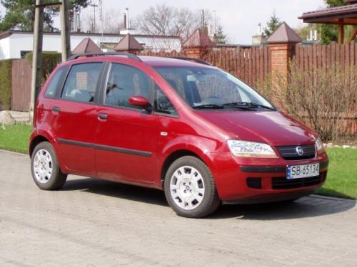 Fot. R. Polit: Fiat Idea to podwyższone Punto. Oba pojazdy wykorzystują tę sama płytę podłogową.