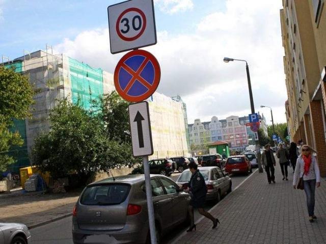 Zmiana oznakowania na Starym Rynku w Słupsku
