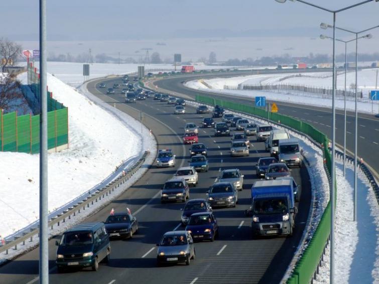 Protest kierowców przeciwko cenom paliw na drogach w całym kraju
