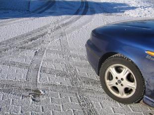 Brak zimówek powodem do odmowy wypłaty odszkodowania