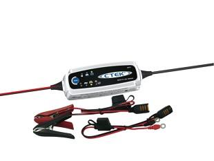 Kontrola akumulatora. Jak sprawdzić poziom naładowania? Jak ładować akumulator?