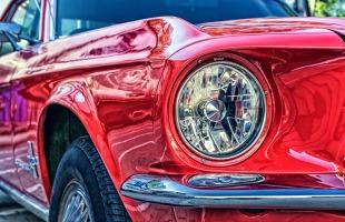 Kiedy zakup lub sprzedaż auta trzeba zgłosić w urzędzie? Czy można to zrobić online?