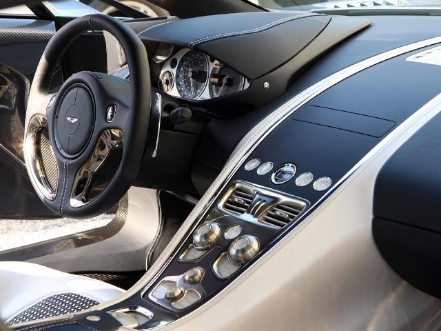 zdjęcie Aston Martin One-77