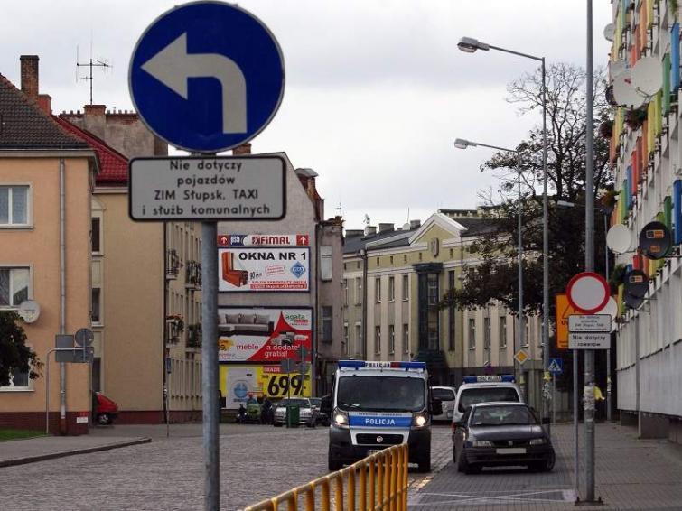 Oznakowanie ulicy Grodzkiej w Słupsku sprawia problemy