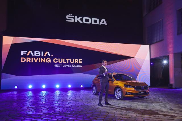 Skoda Fabia IV   Nowa, czwarta generacja modelu Fabia oparta jest na platformie MQB-A0 Grupy Volkswagen, dzięki czemu jest dłuższa i szersza niż jej poprzedniczka.   Fot. Skoda