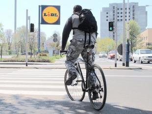 Obowiązki kierowców wobec rowerzystów