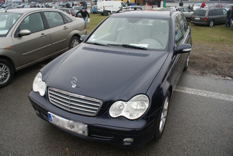 Giełdy samochodowe w Kielcach i Sandomierzu (13.05) - ceny i zdjęcia