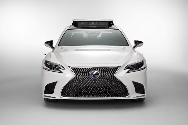 TRI-P4 korzysta z atutów zbudowanego na modułowej platformie GA-L nowego Lexusa LS 500h – sztywnego podwozia i układu kierowniczego nowej generacji.  Fot. Toyota