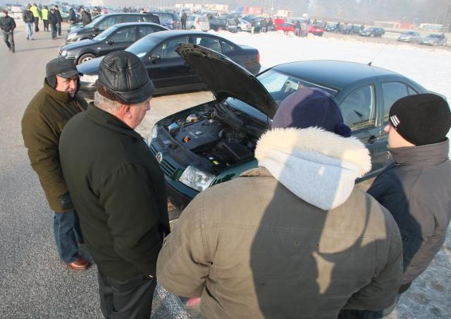 Giełdy samochodowe w Kielcach i Sandomierzu (13.02) - ceny