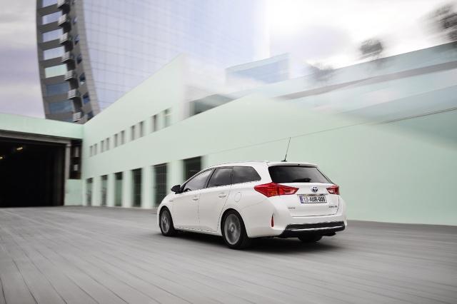 zdjęcie Toyota Auris Touring Sports
