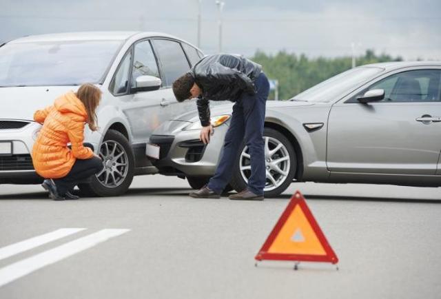 Aplikacja Na wypadek ułatwi udokumentowanie przebiegu kolizji