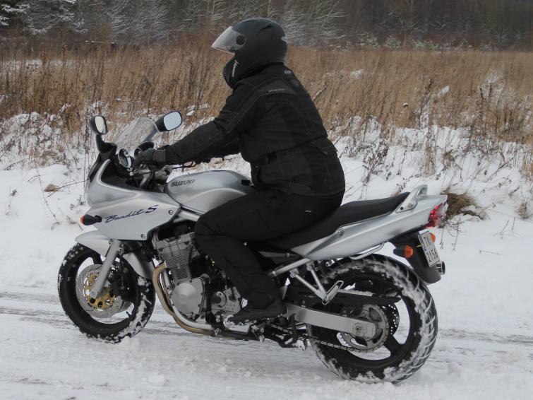 Podgrzewane rękawice i manetki, czyli jazda motocyklem zimą. FOTO