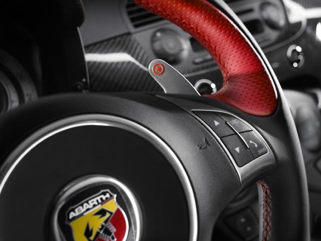 "zdjęcie Abarth 695 ""Tributo Ferrari"""