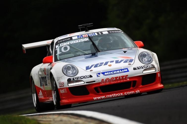 Pierwsze zwycięstwo Kuby Giermaziaka w Porsche Supercup