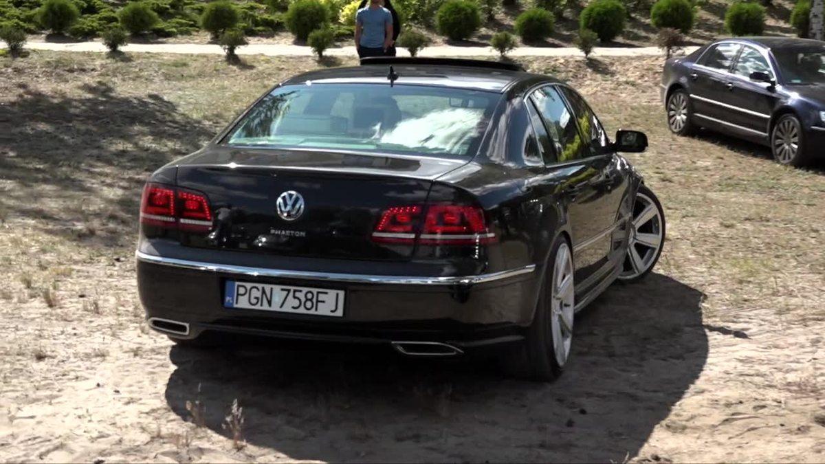 Volkswagen Phaeton   Auto powstawało od 2002 roku. W 2011 roku samochód wycofano za sprzedaży w Polsce natomiast na rynku amerykańskim oferowano go w latach 2004 - 2006 i ponownie od 2009 roku. W 2010 roku wprowadzono pojazd na rynek chiński.  Fot. TVN Turbo/x-news