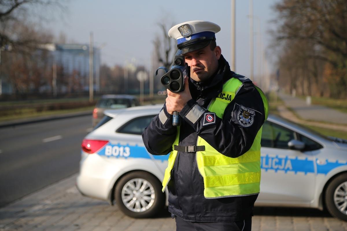 """W dniach pomiędzy 16-22 września na drogach wybranych państw europejskich prowadzone będą policyjne działania o nazwie """"EDWARD"""", co jest akronimem od słów """"European Day Wihtout A Road Death"""", czyli Europejski dzień bez śmiertelnego wypadku drogowego, którego pierwsza edycja miała miejsce w 2016 roku.  Fot. Tomasz Holod"""