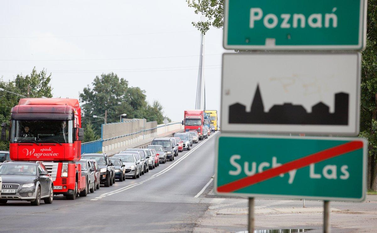 Wjazd na obszar zabudowany oznacza znak D-42 obszar zabudowany.   Fot. Marek Zakrzewski