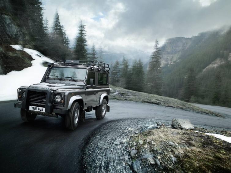 Land Rover Defender 2012: nowy silnik i lepsze wyposażenie