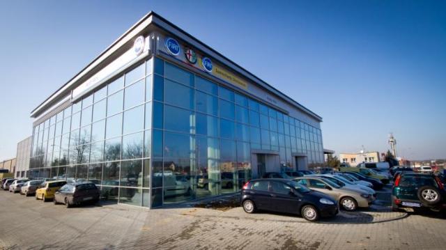 Nowy salon samochodowy włoskich marek na Podkarpaciu