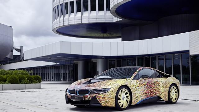 BMW i8 Futurism Edition  Studio projektowe Garaga Italia Customs postanowiło odmienić model i8. Okazją do tego przedsięwzięcia jest pół wieku obecności BMW we Włoszech.   Fot. Garage Italia Customs