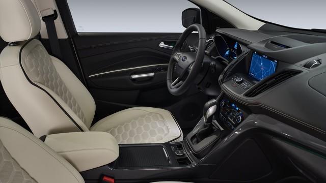 Ford Kuga Vignale   Wśród jednostek wysokoprężnych nabywcy mogą zdecydować się na silnik 2.0 L TDCI, który ma do zaoferowania 150 KM lub 180 KM.   Fot. Ford