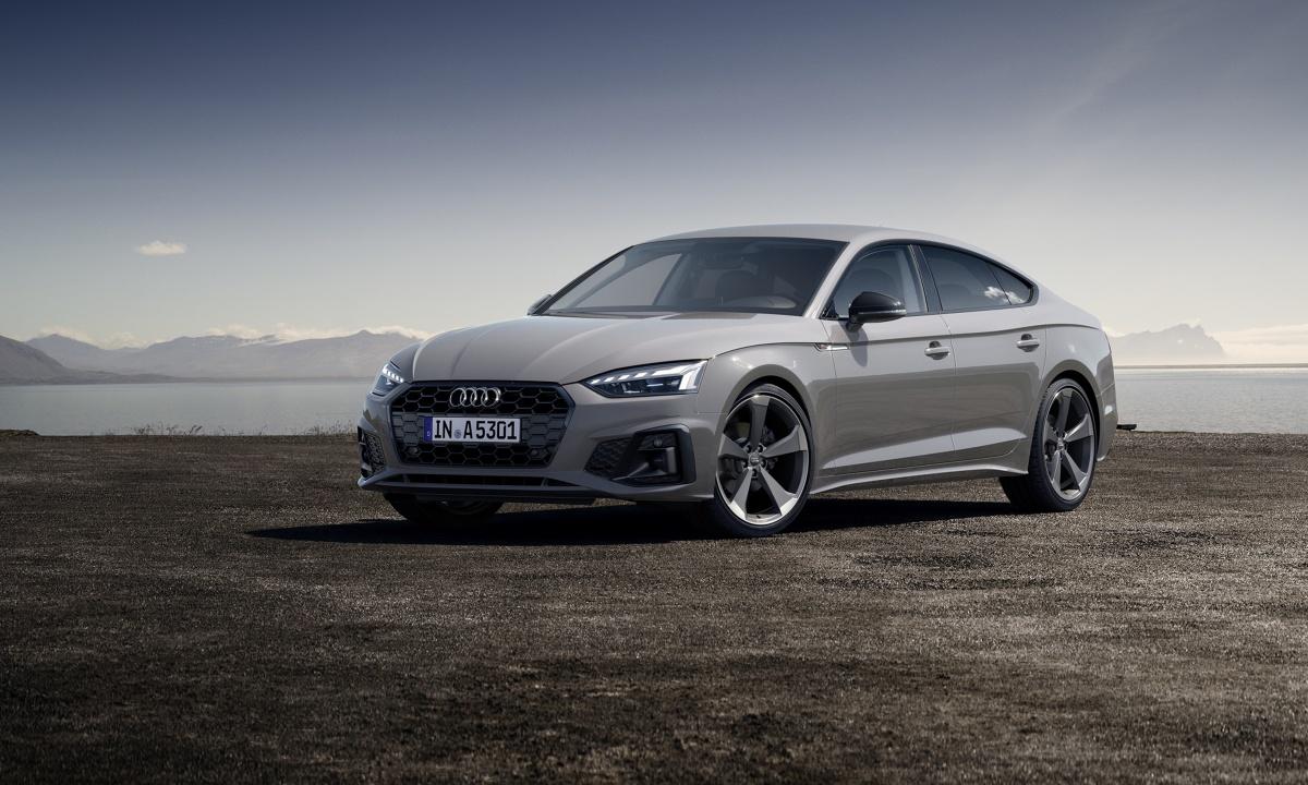 Audi A5   Audi wprowadza do produkcji zmodernizowaną rodzinę modelu A5. W nowej stylistyce pojawią się wersje Sportback, Coupe oraz Cabriolet. Nadwozia będą bardziej dynamiczne, system MMI Touch będzie działać według nowej koncepcji. Nowości kryją się również w napędzie auta.  Fot. Audi