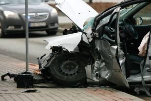 Wypadki drogowe. Co roku ginie w nich wiecej osób jak na wojnach