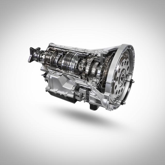 Ford ogłosił rozpoczęcie produkcji nowej, 10-stopniowej automatycznej skrzyni biegów do modeli Transit z napędem na tylne koła.  Fot. Ford